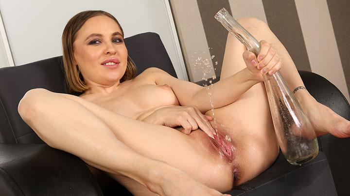 Young blow job porno